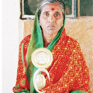 Good Sports: SPEEDY SENIOR IN A SARI