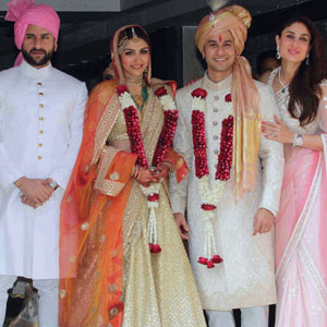 Soha, Kunal get married&#59; Saif, Kareena play hosts
