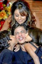 Shah Rukh Khan, Gauri blessed with a third child
