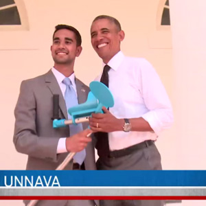 Partha Unnava demonstrates his crutch invention to President Obama