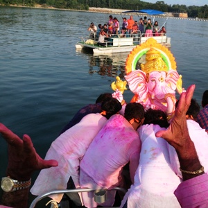 Ganesh Chaturthi as never before—from the Hindu Temple of Atlanta to a lake