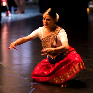 Bharatanatyam combines with music of other cultures in Natya Dhaara's dance program