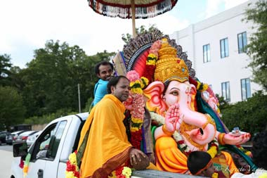 10_14_AT-Ganesh_truck.jpg