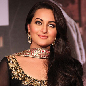 11_14-Bollywood-Sonakshi.jpg
