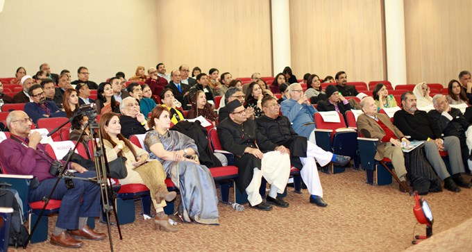 Mushaira_audience680.jpg