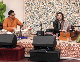 Bhavesh Patel on tabla with Pt.   Dhananjay Kaul_Sl.jpg