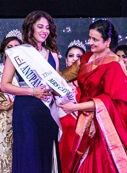 Sep Pageant_MrsCatwalk Anupam Gill_crop250x340.jpg