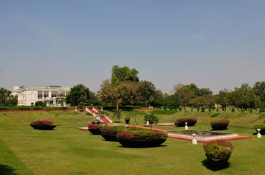 02_14-Travel-NadesarGardens.jpg