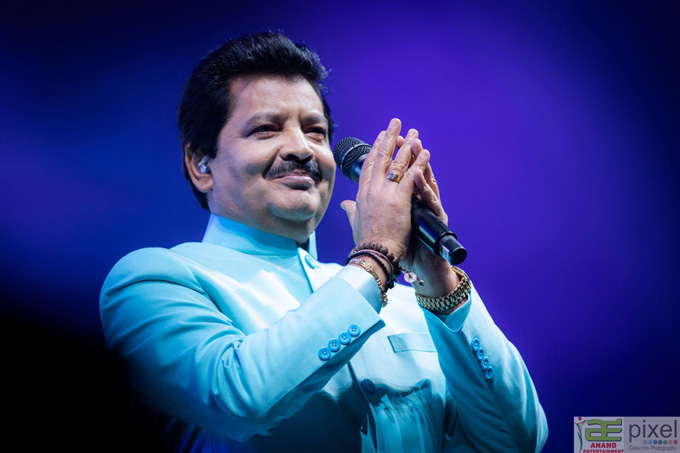 10_18_AT-Rahman-UditNarayan.jpg