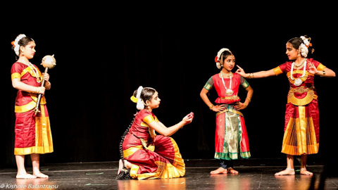 06_17_AT-Kathaavali_dancers.jpg