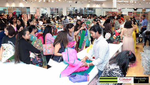 11_19_AT-GlobalMela-Ladlee-Shopping.jpg