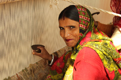 02_16_CvrStry-Weaver-from-Jaipur-rugs.jpg