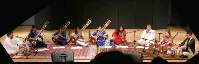 AsianMusic_North_Indian_Ensemble_wo20_640_207.jpg
